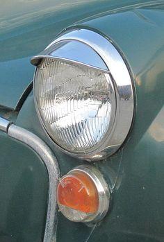 Morris Minor 1000 ns eyelid headlight September 2013