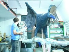 A model of a Haast's Eagle. Extinct around Megafauna from the South Island of New Zealand. Maori Legends, Deer Species, Flightless Bird, Legends And Myths, Extinct Animals, Prehistoric Creatures, Large Animals, Mammals, Reptiles