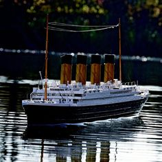 Fancy - Remote Controlled Titanic Boat