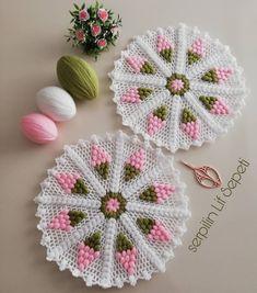 Mutlu akşamlar , Selamlar sevgiler hepinize can takipçilerim 🌼💜🌼💜 Cuma-i Şereflerimiz Hayırlara Vesile Olsun inşallah ,  Gönüllerimiz bir ,… Crochet Towel, Crochet Art, Crochet Doilies, Crochet Flowers, Crochet Stitches, Crochet Mandala Pattern, Easy Crochet Patterns, Baby Knitting Patterns, Crochet Designs