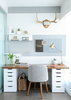 Get the home office design you've ever wanted with these home office design ideas! Feel inspired by the unique ways you can transform your home office! Home office Home Office Space, Home Office Design, Home Office Decor, Diy Home Decor, Office Designs, Workspace Design, Desk Space, Small Office Spaces, Ikea Workspace