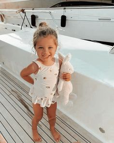 Cute Little Baby, Cute Babies, Baby Kids, Cute Baby Girl Outfits, Cute Baby Clothes, Cute Kids Fashion, Baby Girl Fashion, Dream Kids, Foto Baby