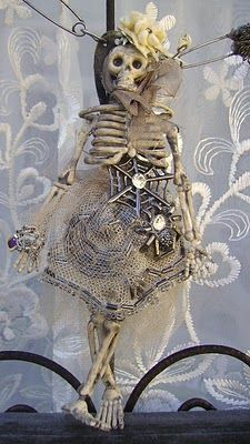 """One of a Kind Vintage Assemblage """"Fem"""" meets """"Goth"""" Necklace by Romancing the Bling. Halloween Trophies, Creepy Halloween Decorations, Skeleton Decorations, Halloween Trees, Halloween Skeletons, Halloween House, Halloween Crafts, Skeleton Craft, Bricolage Halloween"""