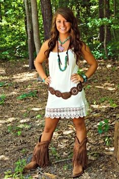 Ivory Crochet Slip Dress this whole outfit is so simple and yet so cute! Country Girls Outfits, Country Dresses, Cowgirl Outfits, Western Dresses, Western Outfits, Western Wear, Cowgirl Dresses, Country Fashion, Boho Fashion
