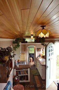 ☮ American Hippie Bohéme Boho Lifestyle ☮ School bus tiny house