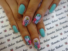 8 modelos diferentes de unhas decoradas com desenhos de flores para você se inspirar. Veja nossos tutorias de decoração e aprenda a fazer diversos modelos diferentes. 21 Modelos de Unhas com Flores Gostou dos modelos de unhas com How To Do Nails, Fun Nails, Pretty Nails, Nail Designs Spring, Nail Art Designs, Plain Nails, Wonderful Pistachios, Air Popped Popcorn, Paws And Claws