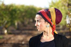 Cocktail of Color Sinar Tichel by sagitavor on Etsy - wow this is a stunner! #headscarf #tichel #mitpachat