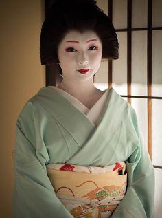 京都の芸妓『とし真菜』さん写真集~2016年10月24日 - OpenMatome