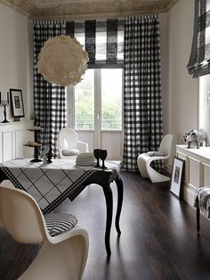 30 Green decor DIY Interior Designs To Inspire Today - Home Decoration Experts Black White Rooms, Black And White Interior, Country Style Curtains, Country Decor, Rustic Powder Room, Interior Exterior, Interior Design, French Country Living Room, White Curtains