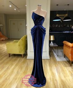 Find the perfect gown with Pageant Planet! Browse all of our beautiful prom and pageant gowns in our dress gallery. There's something for everyone, we even have plus size gowns! Source by pageantplanet dress Elegant Dresses, Pretty Dresses, Vintage Dresses, Beautiful Dresses, Formal Dresses, Wedding Dresses, Reception Dresses, Vintage Prom, Gown Wedding