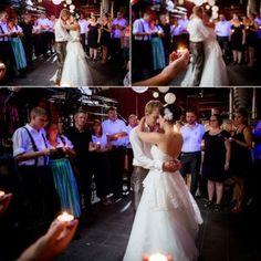 Der letzte Tanz bei einer Hochzeit im Badehaus am Chiemsee. Girls Dresses, Flower Girl Dresses, Wedding Dresses, Fashion, Pictures, Flower Girl Gown, Dress Wedding, Bathing, Dresses Of Girls