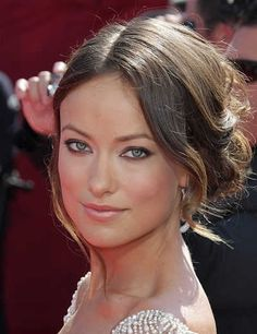 Olivia Wilde hairstyle is indeed fresh and filled with life. Olivia Wilde looks trendy and stylish with the haircut that is straight! Low Bun Wedding Hair, Wedding Hair Front, Wedding Hair And Makeup, Hair Makeup, Wedding Updo, Wedding Bride, Bridal Hair, Ball Hairstyles, Celebrity Hairstyles