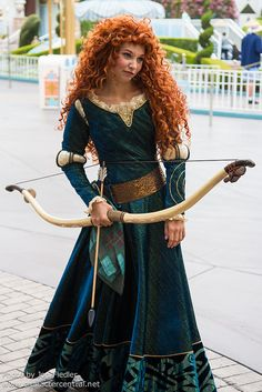 Make Merida costume yourself maskerix.de - Make Merida costume yourself Costume idea for carnival, Halloween & carnival Merida Cosplay, Disney Cosplay, Cosplay Dress, Disney Costumes, Cosplay Outfits, Cool Costumes, Cosplay Girls, Merida Brave Costume, Costume Ideas
