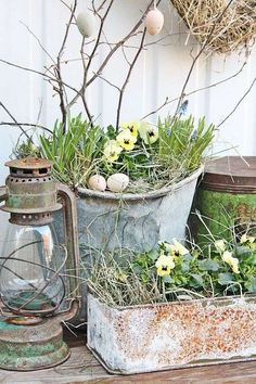 Decorazioni pasquali in stile shabby chic - La Pasqua in giardino Easter decorations in shabby chic style - Easter in the garden