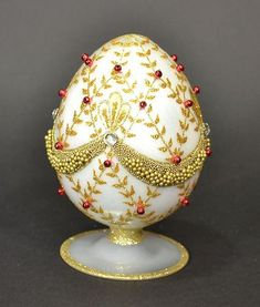 Egg Crafts, Easter Crafts, Carved Eggs, Grenade, Egg Designs, Cute Clay, Easter Parade, Faberge Eggs, Coloring Easter Eggs