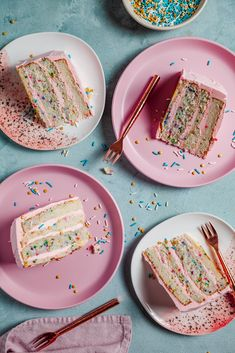 A celebration cake with fluffy layers, tasty butter cream frosting and lots of sprinkles Delicious Desserts, Dessert Recipes, Dessert Ideas, Two Layer Cakes, Almond Tea, Mango Cake, Forest Cake, Cupcakes, Funfetti Cake