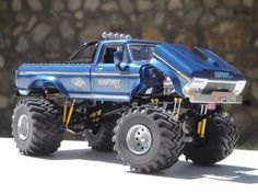 I built a BIGFOOT model when I was An unpainted gluebomb but hey I was 10 I think the focus needs to be put on mom who turned me loose with testors model cement and xacto knifes. Rc Cars And Trucks, Old Ford Trucks, Lifted Trucks, Hummer Truck, Monster Trucks, Rc Buggy, Truck Scales, Plastic Model Cars, Rc Autos