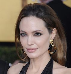 LUCA LUCA Tom Pecheux was on a seventies supermodel tip but it wasn't Lauren Hutton. Brad And Angie, Angelina Jolie Makeup, Sag Awards, Academy Awards, Lauren Hutton, Celebrity Style Inspiration, Dress Makeup, Girl Crushes, Supermodels