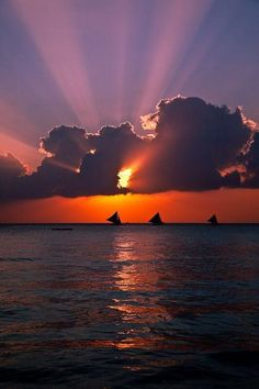 Boracay Sunset ~ Philippines by Brandon Hoover by samanthasam Nature Pictures, Cool Pictures, Beautiful Pictures, Amazing Sunsets, Amazing Nature, Beautiful World, Beautiful Places, Amazing Places, Amazing Photography