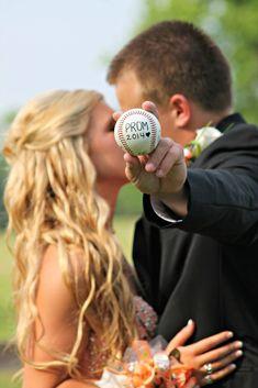 Abschlussball-Baseball-Bild - New Ideas Prom Pictures Couples, Homecoming Pictures, Prom Couples, Prom Photos, Dance Pictures, Prom Pics, Couple Pics, Teen Couples, Senior Pictures