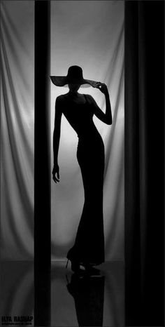 Black and White Photography of Women: How Take Beautiful Pictures – Black and White Photography Silhouette Photography, Film Photography, Creative Photography, Fashion Photography, Silhouette Art, Urban Photography, Color Photography, Photographie Portrait Inspiration, Black And White Aesthetic