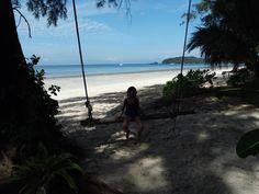 Alleine reisen mit Kind. Unsere erste Zeit auf Koh Payam und wie es sich lebt auf einer Langzeitreise. Warum wir auf Koh Payam bleiben? Lies selbst