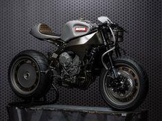 """O fabricante de lubrificantesfrancês, anunciou que a sua moto """"Concept"""" será leiloada, revertendo o valor apurado para caridade."""