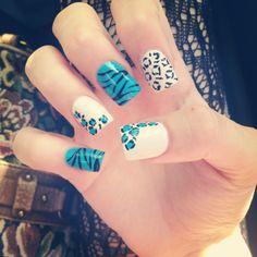 Blue & white animal print nails. Blue. Black. White. Leopard. Cheetah. Nail Art. Fashion.