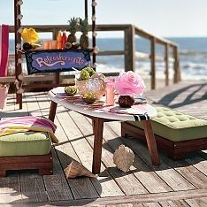 Surfboard table---great DIY for your summer porch.