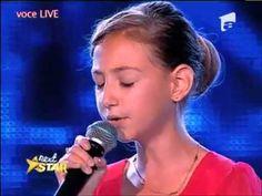 L'incroyable voix d'une fille de 12 ans qui chante « Je suis malade » à la télé roumaine - YouTube