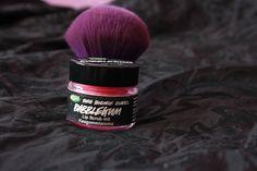 Compras en Lush: Bubblegum y A million kisses. #labios #lips  +fotos:  http://www.deli-cious.es/index.php/mis-compras/736-compras-lush-maquillaje-labios