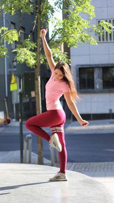 3369bc9a89744 BARA Sportswear - Activewear for women