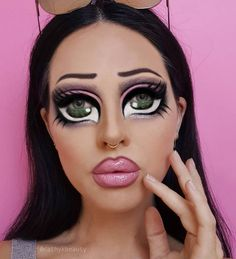 bratz doll body paint make up Cute Halloween Makeup, Halloween Eyes, Halloween 2020, Halloween Party, Halloween Costumes, Drag Makeup, Makeup Art, Makeup Stuff, Bratz Doll Makeup