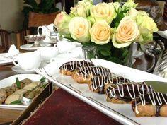Chocolate eclairs. Chocolate Eclairs, Safari, Veggies, Table Decorations, Kitchens, Vegetable Recipes, Vegetables, Dinner Table Decorations