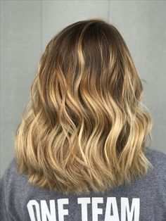 Balayage ombré #hairbyashleytaylor #balayage #ombre #blonde #fallhair #highlights #waves