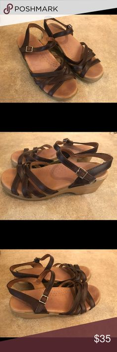 Dansko Brown Leather Sandals size 39 (US 8.5/9) Barely worn! These are super comfy and cute Dansko sandals. Great condition with very minor wear. Dansko Shoes Mules & Clogs