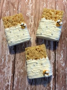 12 White Chocolate Covered Bee and Pearl Birthday Party Rice Crispy Krispie Treats Party Favors Sweets Table Candy Buffet Bees