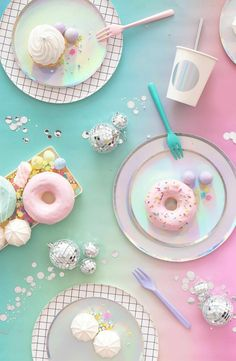 Main Image – Oh Happy Day Set of 8 Iridescent Paper Party Plates Hauptbild – Oh Happy Day Schillernde aus Papier Whats Wallpaper, Cute Food Wallpaper, Cute Wallpaper Backgrounds, Pretty Wallpapers, Wallpaper Lockscreen, Imagenes Color Pastel, Pastell Party, Rainbow Food, Aesthetic Pastel Wallpaper