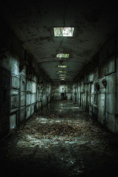 Abandoned Asylums, Abandoned Buildings, Abandoned Places, Scary Backgrounds, Apocalypse Aesthetic, Scary Places, Weird Dreams, City Aesthetic, Creepy Art