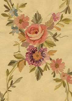Le Musée du Point de Beauvais (Bourg-le-Roi) - Musée du Point de Beauvais - Bourg-le-Roi (Sarthe - 72) Chain Stitch Embroidery, Tambour Embroidery, Vintage Embroidery, Embroidery Stitches, Machine Embroidery, Tambour Beading, Beauvais, Embroidered Roses, Fabric Wallpaper