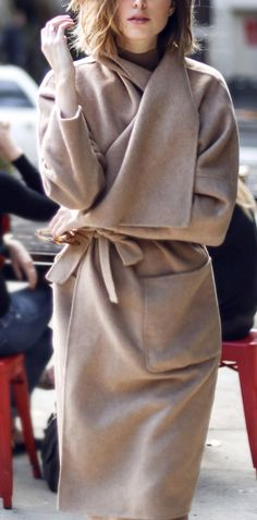 Style Spacez: 78 Fall and Winter Outfit Idea Fall Fashion Trends, Fashion News, Coco Chanel, Pull, Autumn Winter Fashion, Style Me, Gold Style, Winter Outfits, What To Wear
