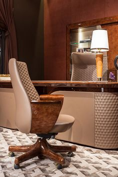 Vogue Collection www.turri.it Italian luxury leather desk with chairs