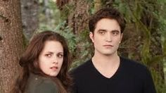 Kristen stewart and robert pattinson news: ex-twilight couple dating again? New Twilight Book, Twilight Series, Robert Pattinson News, Sils Maria, Female Directors, Movie Couples, Film Base, Film Serie, How To Make Shorts