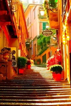 Stairway, Bellagio, Lake Como, Italy. Click on photo for home videos and more on Hotels, Restaurants and Things 2 Do.
