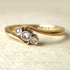 Art deco diamond geometric trilogy ring #diamond #ring http://www.loveitsomuch.com/