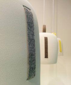 Cowbell lamp is one of our new pieces! Madera of ceramic and with a felt strip as a detail. If you touch it, you will fall in love! // La lámpara Cowbell es una de nuestras nuevas piezas! Realizada en cerámica y con una tira de fieltro como detalle. Su tacto, enamora!  #diseño #lighting #design #lampara #cowbelllamp #basquedesign #decoration #decor #ceilinglamp #lamp #ceramic #felt #massmi #detail #new #productdesign #interior #interiordesign #habitat16