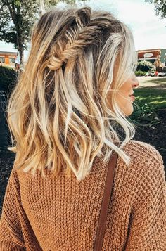 25 Stunning Medium Long Hairstyle for Your Special Moment - My Daily Pins Long Braided Hairstyles, Fishtail Braid Hairstyles, Prom Hairstyles For Short Hair, Teenage Hairstyles, Fishtail Braid Wedding, Hairstyles For Medium Length Hair Easy, Fishtail Braid Styles, Messy Fishtail Braids, French Hairstyles
