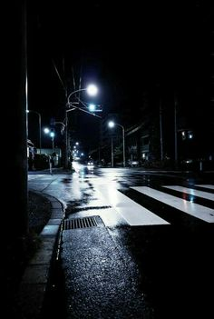 □street at night city streets, city road, night street photography, night time Urban Photography, Night Photography, Photography Tips, Photography Aesthetic, Scenic Photography, Aerial Photography, Landscape Photography, Nature Architecture, Fille Gangsta