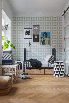 Apartamento com decoração monocromática.
