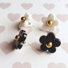 Set of Black and White Daisy Stud Earrings by strawberriesncreamm on Etsy